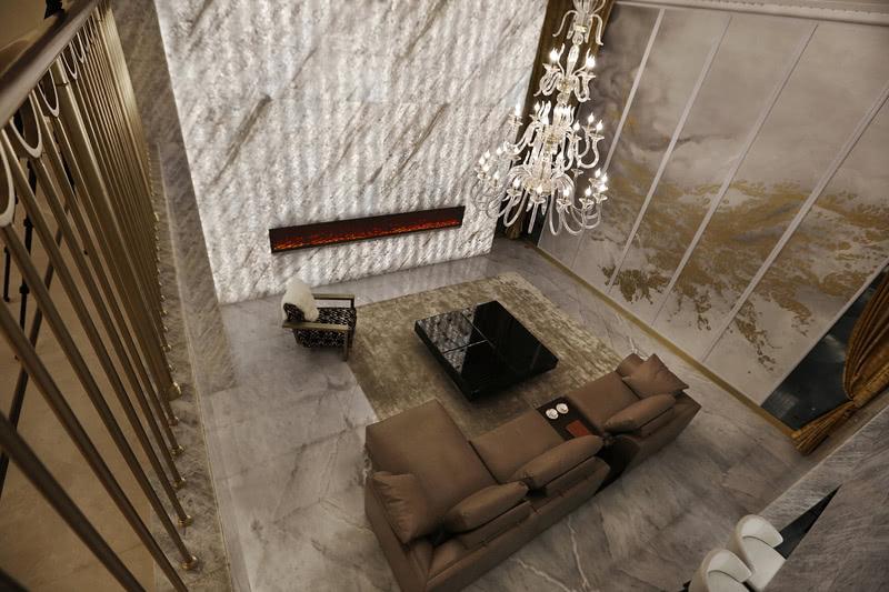 地下室客厅