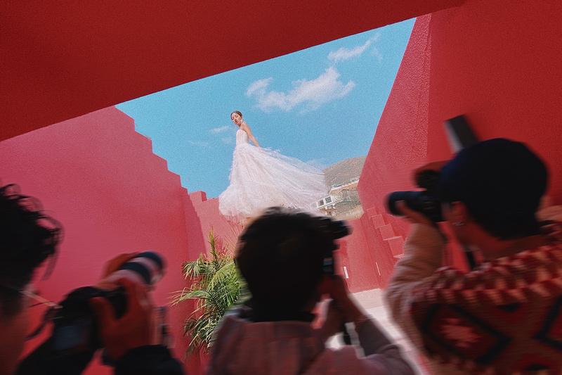 ▲ 红色空间 ©梁晨 Red Space © Liang Chen